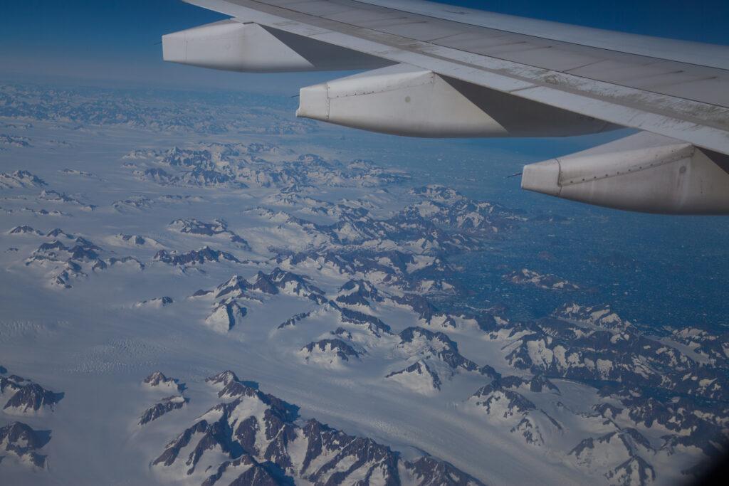 Самолет Арктика
